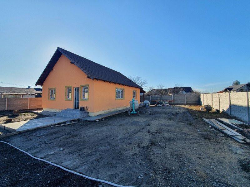 Casa individuala la cheie in Utvin - V990 10