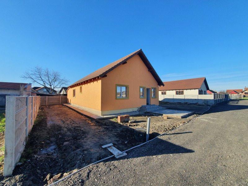 Casa individuala la cheie in Utvin - V990 11