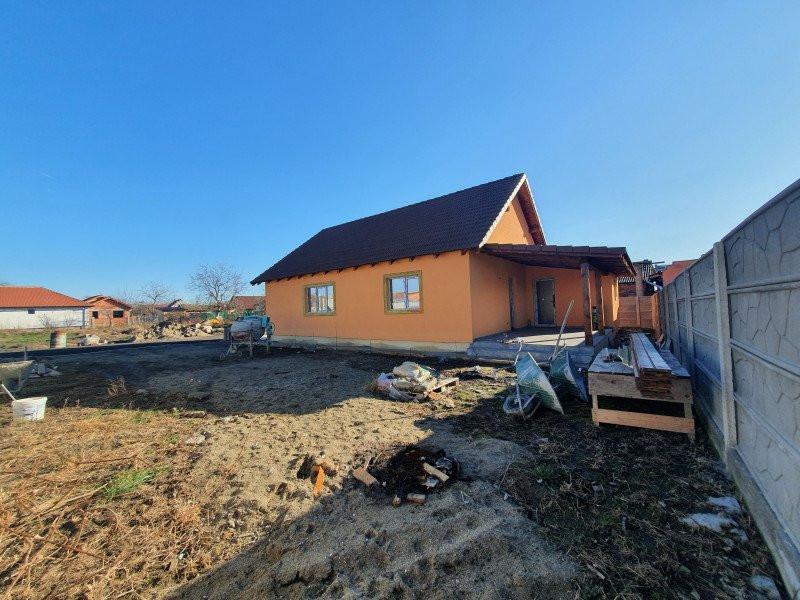 Casa individuala la cheie in Utvin - V990 12