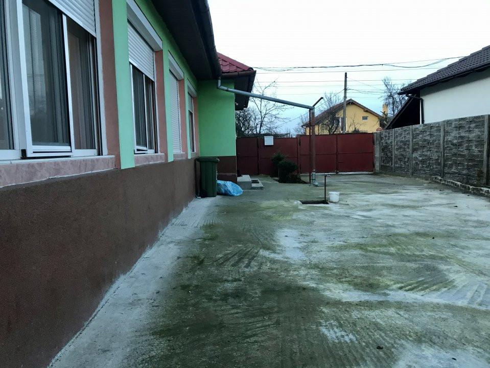 Casa individuala la cheie, cu garaj, in centrul comunei Sag 26