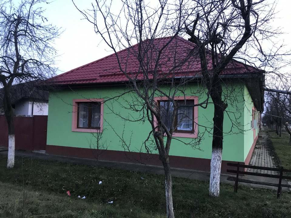 Casa individuala la cheie, cu garaj, in centrul comunei Sag 30