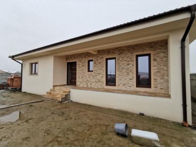 Casa individuala pe parter in Mosnita Noua.