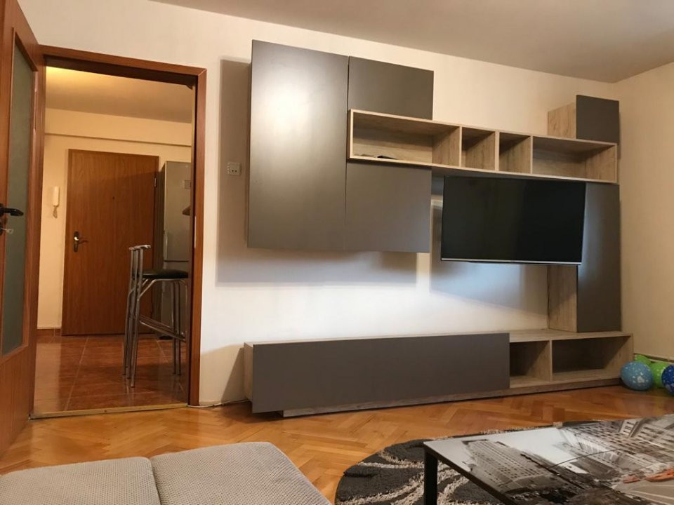 Inchiriez apartament 3 camere - Timisoara zona linistita 3