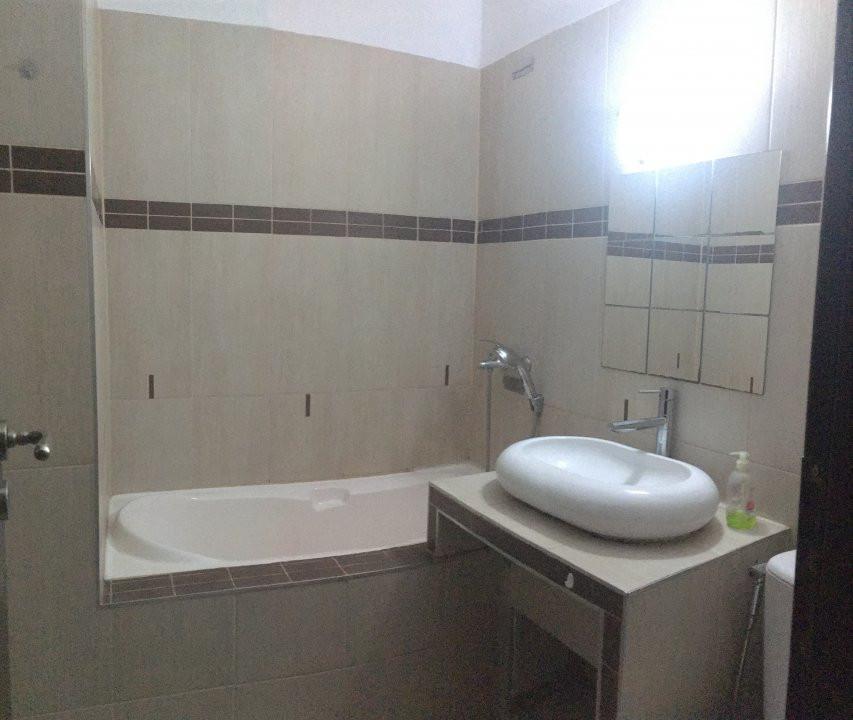 Apartament cu 3 camere, semidecomandat, de vanzare, zona Take Ionescu. 8