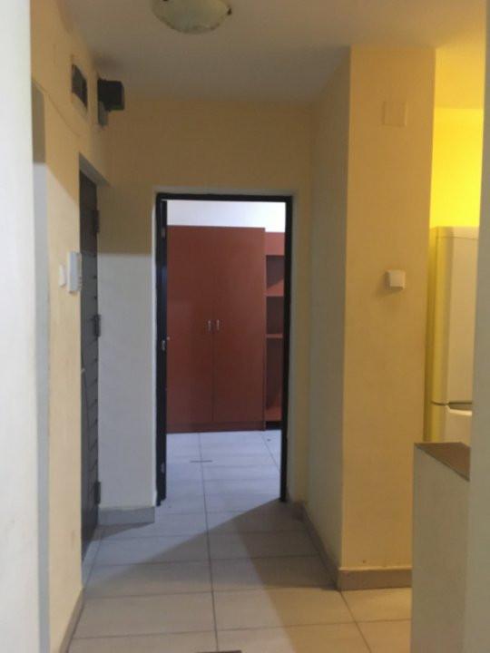 Apartament cu 3 camere, semidecomandat, de vanzare, zona Take Ionescu. 11