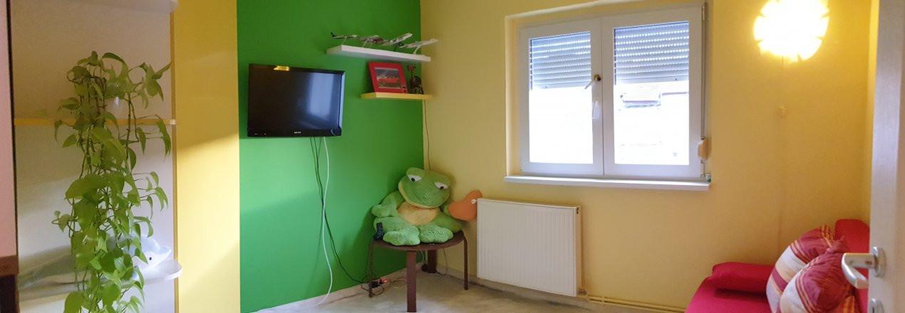 Apartament de vanzare 3 camere, confort 1 decomandat, zona Sagului 9