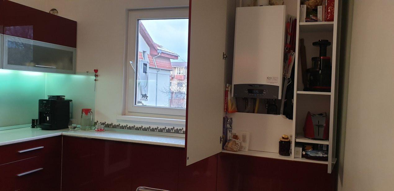 Apartament de vanzare 3 camere, confort 1 decomandat, zona Sagului 17