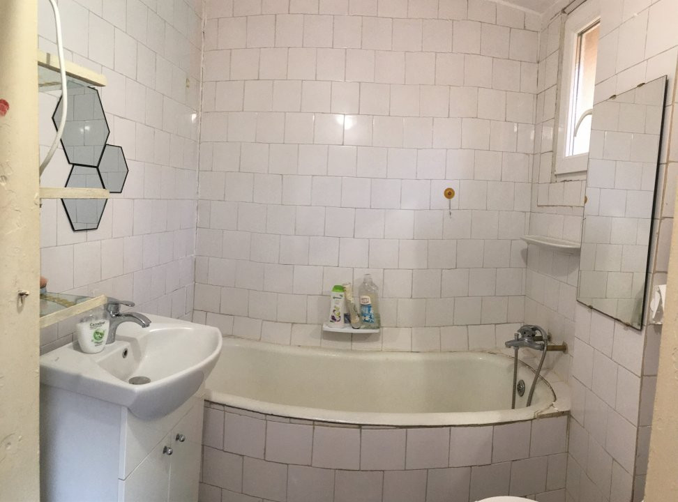 Apartament cu 1 camera, semidecomandat, de inchiriat, la casa, zona Girocului. 8