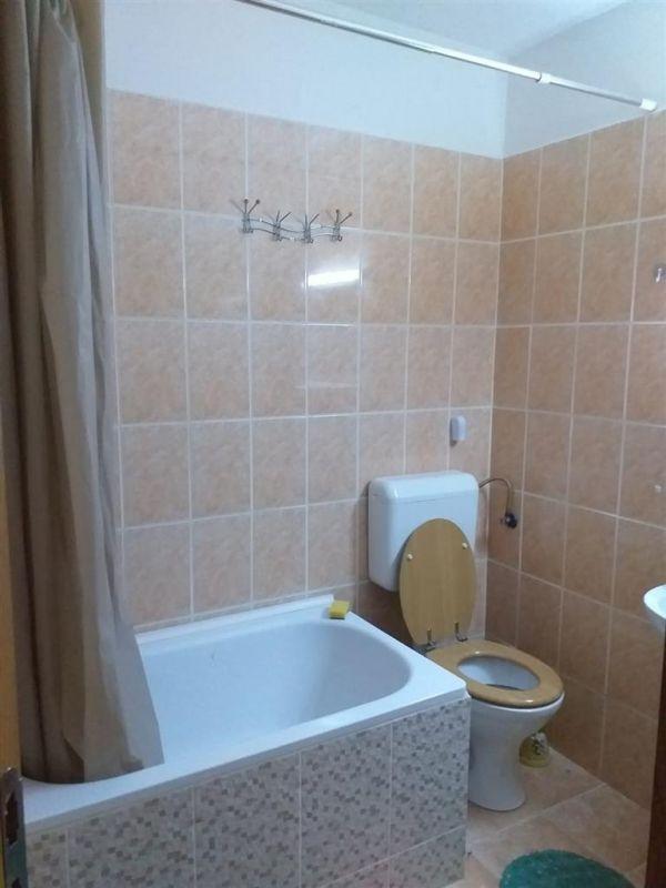 Apartament cu 1 camera de vanzare zona Fratelia - ID V131 8
