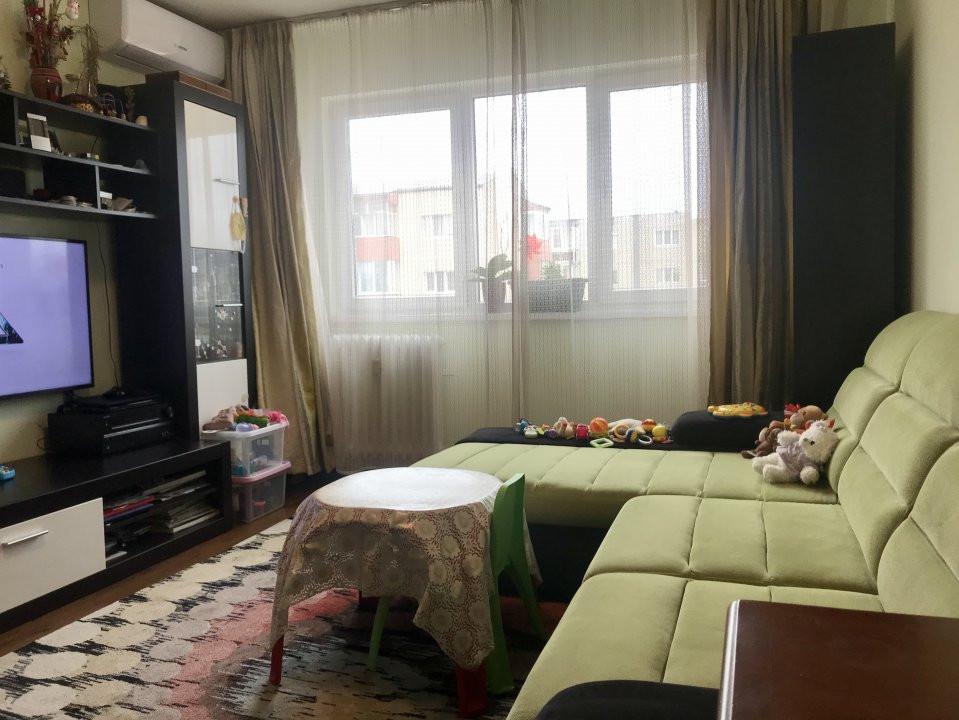 Apartament cu 3 camere spatios , de vanzare, zona Sagului 2