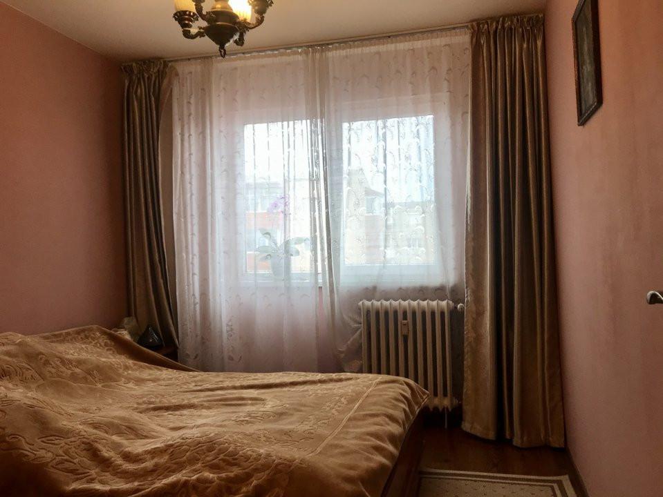 Apartament cu 3 camere spatios , de vanzare, zona Sagului 10