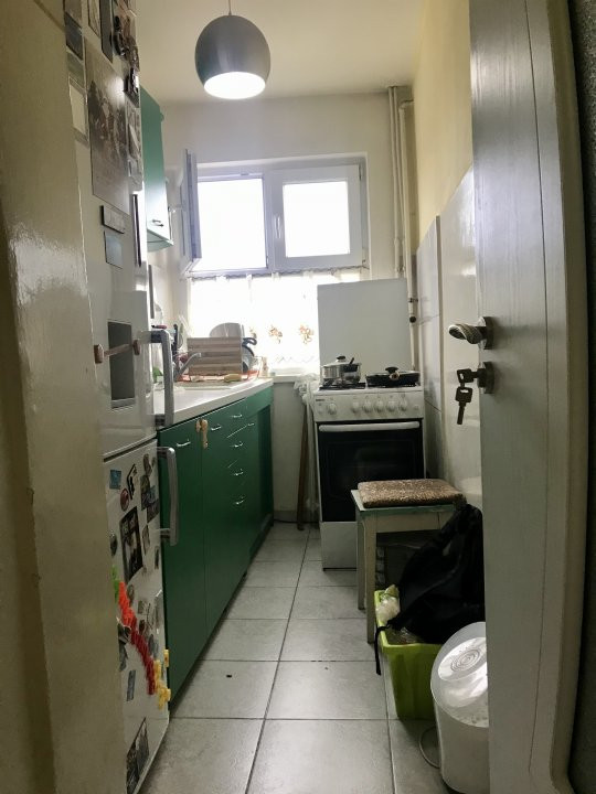Apartament cu 3 camere spatios , de vanzare, zona Sagului 15