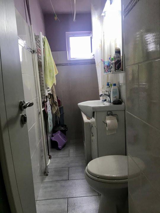 Apartament cu 3 camere spatios , de vanzare, zona Sagului 16