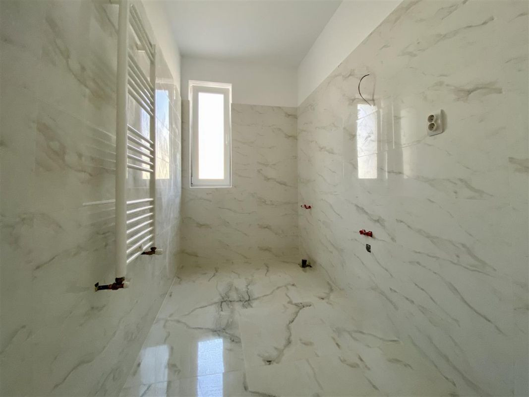Apartament 2 camere de vanzarebalcon loc de parcare in GIROC - ID V48 11