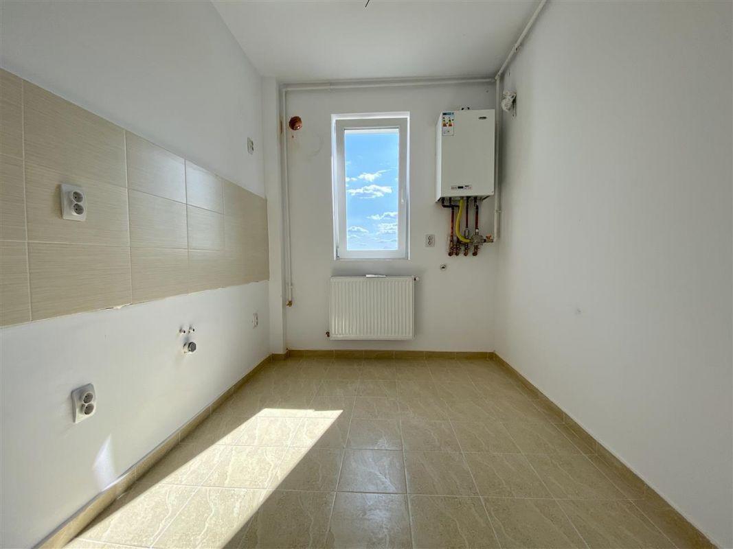 Apartament 2 camere de vanzarebalcon loc de parcare in GIROC - ID V48 22