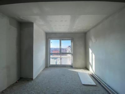 Apartament cu 2 camere, zona Lipovei, decomandat