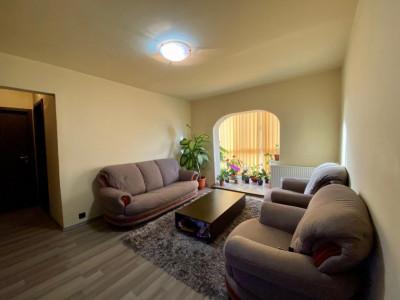 Apartament 3 camere , etaj intermediar, centrala proprie, zona Lipovei - V1100