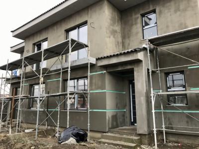 Duplex spatios cu 5 camere, de vanzare, zona Dumbravita