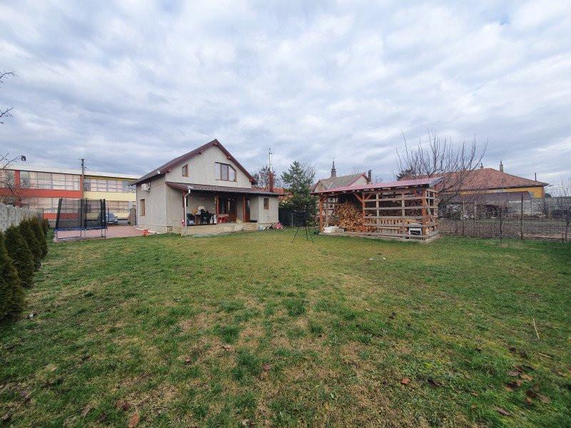 Casa individuala de vanzare - V1152 2