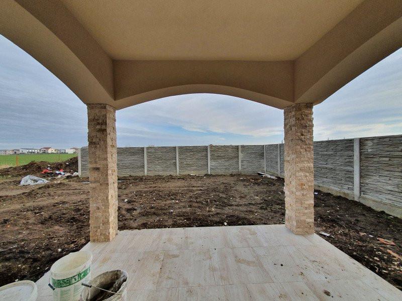 Casa cu teren generos in Dumbravita - V1157 12