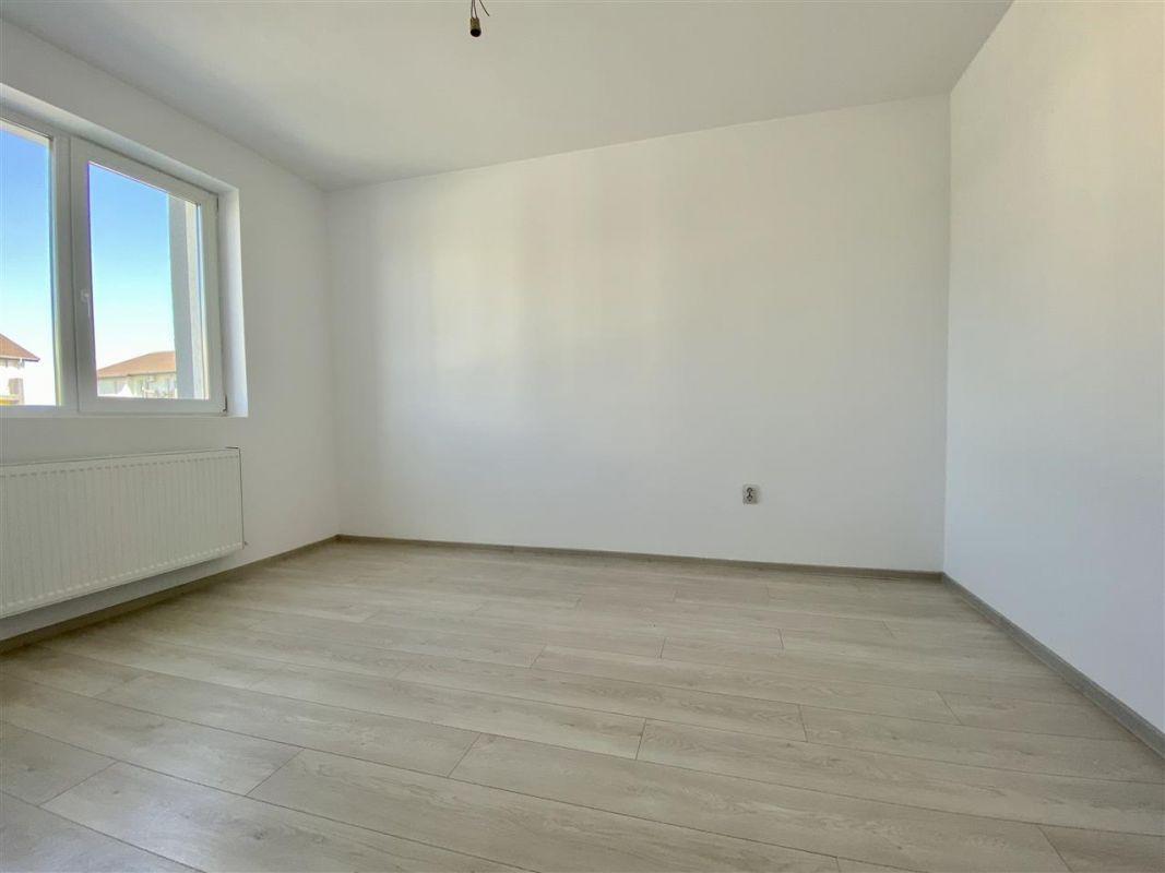 2 camere de vanzare + balcon in GIROC - ID V58 24