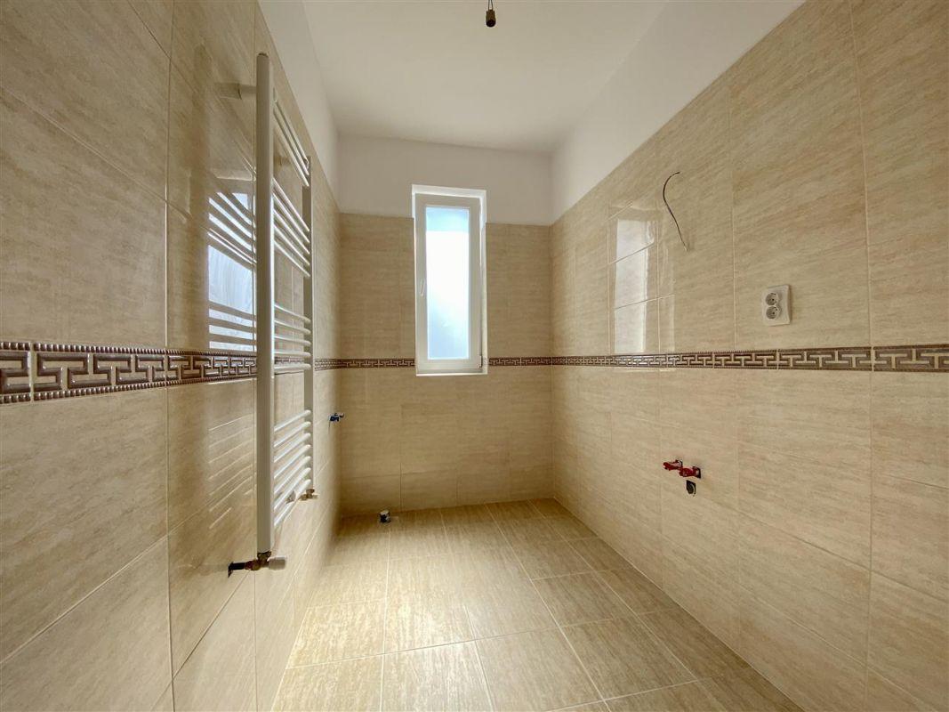 2 camere de vanzare + balcon in GIROC- ID V59 5