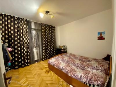 Apartament cu 3 camere, decomandat in Piata Dacia - V1177
