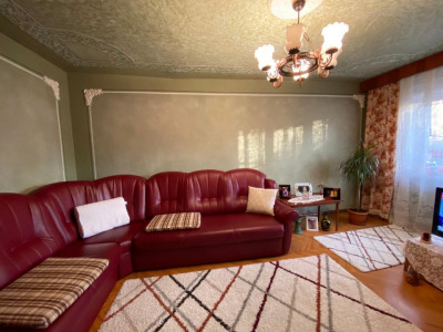 Apartament 3 camere, boxa 12 mp, parter inalt, centrala proprie, Lipovei - V1201