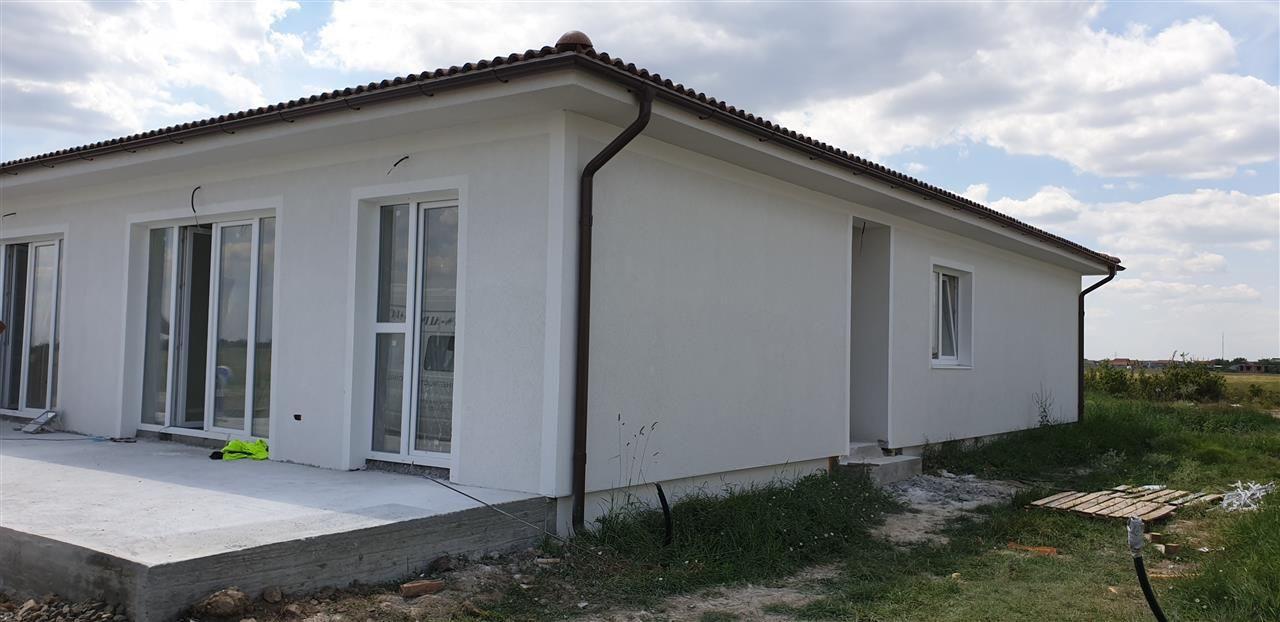 Casa tip duplex 4 camere Mosnita Noua - ID V337 2