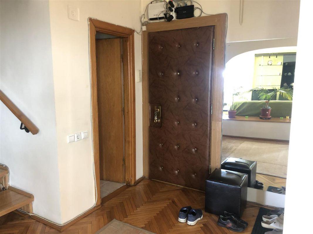 Penthouse de vanzare 3 camere in Printul Turcesc + boxa - ID V5 5