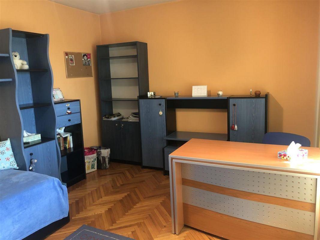 Penthouse de vanzare 3 camere in Printul Turcesc + boxa - ID V5 24