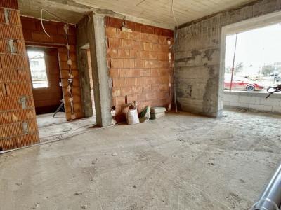 Apartament cu trei camere | Bloc Nou | Giroc | Zona Centrala | Decomandat