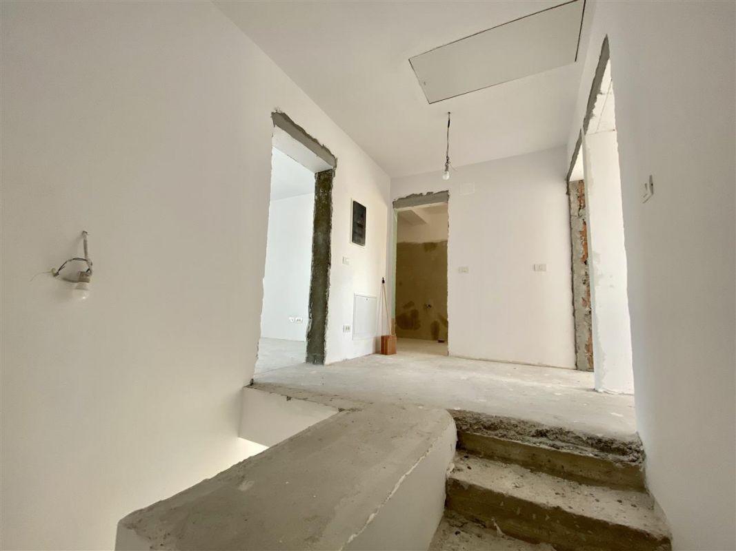 Duplex 5 camere de vanzare toate utilitatile SACALAZ - ID V7 7