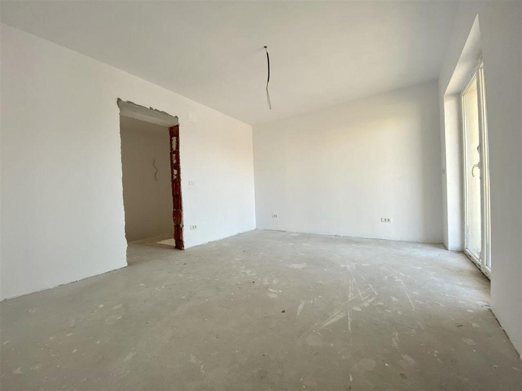 Duplex 5 camere de vanzare toate utilitatile SACALAZ - ID V7 8