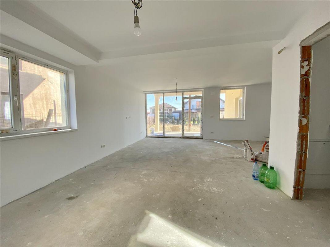 Duplex 5 camere de vanzare toate utilitatile SACALAZ - ID V7 11