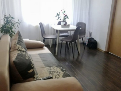Apartament cu doua camere de vanzare in zona Spitalului Judetean!