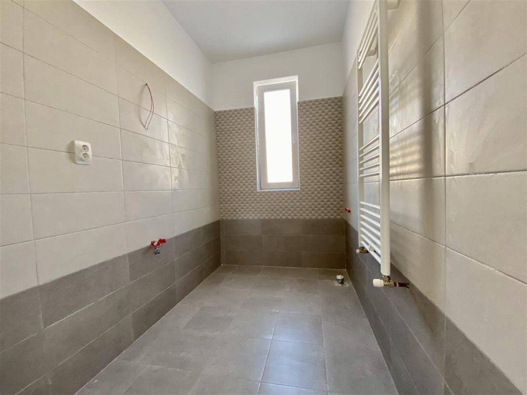 Apartament 2 camere de vanzare cu pod in proprietate GIROC - ID V34 21