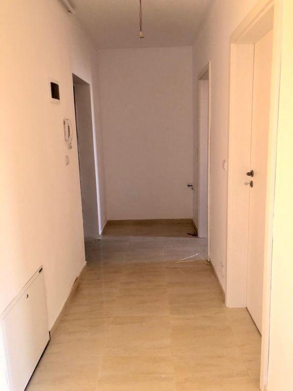Apartament 2 camere de vanzare cu pod in proprietate GIROC - ID V34 24