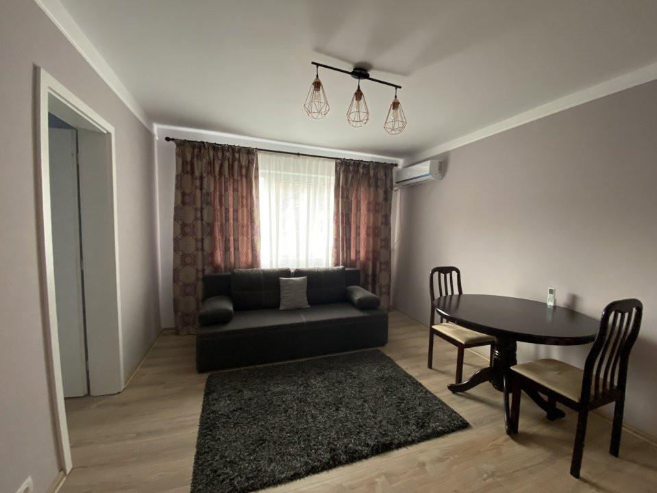 Apartament cu 2 camere, frumos amenajat, de vanzare, zona Dacia 1