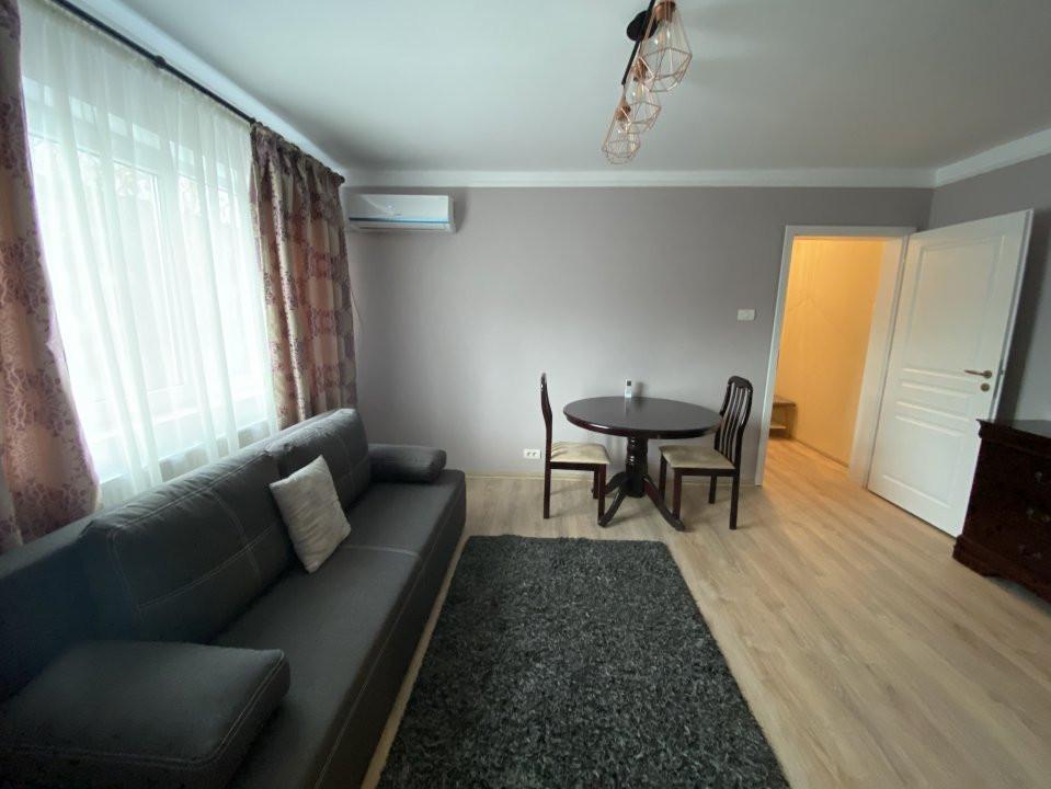 Apartament cu 2 camere, frumos amenajat, de vanzare, zona Dacia 3