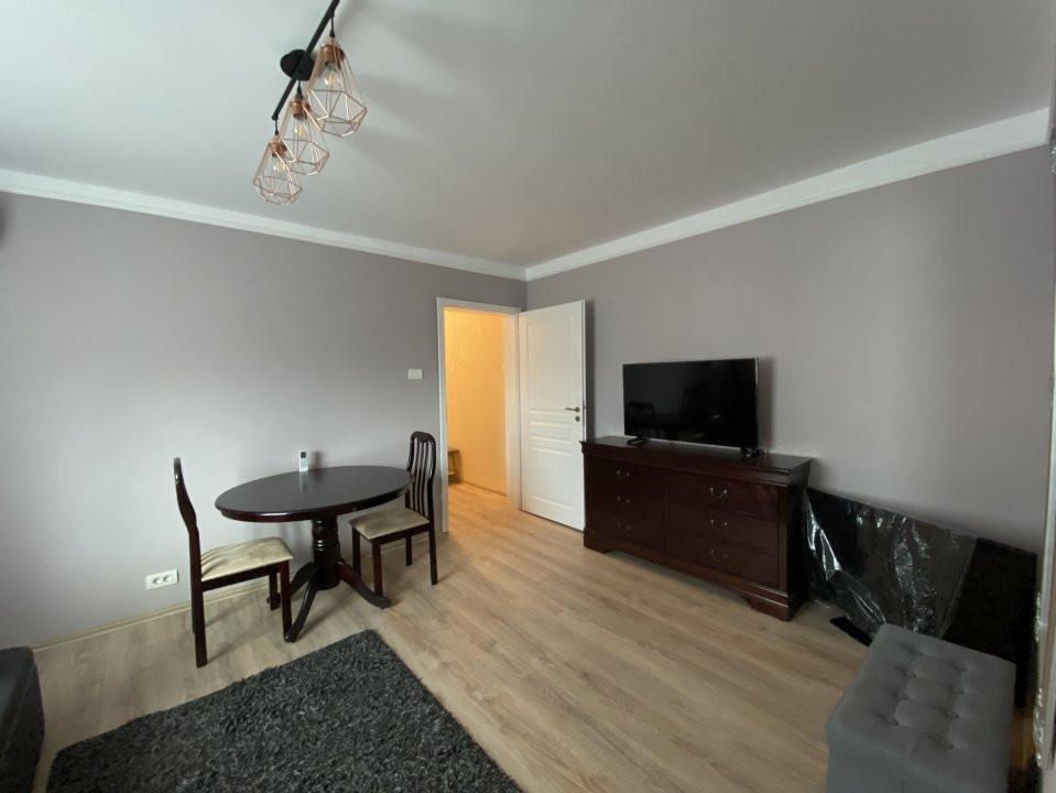 Apartament cu 2 camere, frumos amenajat, de vanzare, zona Dacia 4