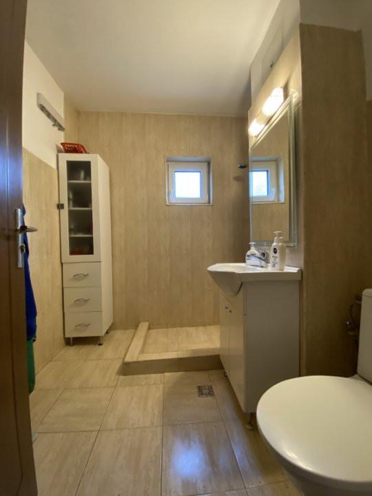 Apartament cu 2 camere, cu garaj, decomandat, de vanzare, zona Aradului 12