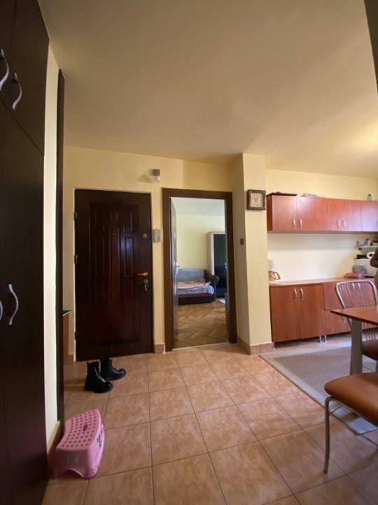Apartament cu 2 camere, cu garaj, decomandat, de vanzare, zona Aradului 14