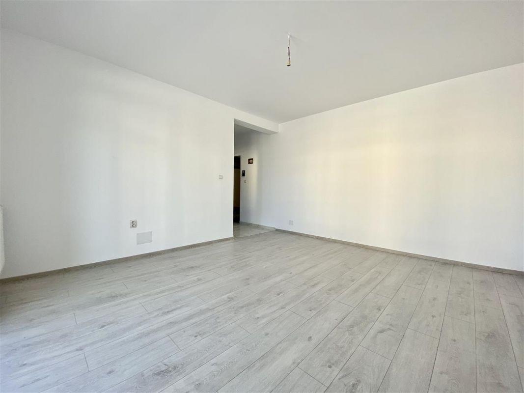 Apartament 2 camere de vanzare cu pod in cf in GIROC- ID V36 15