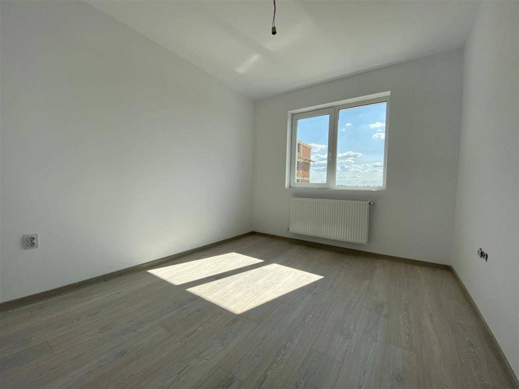 Apartament 2 camere de vanzare cu pod in cf in GIROC- ID V36 20