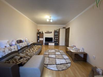 Apartament cu 2 camere spatios, decomandat, de vanzare, zona Aradului