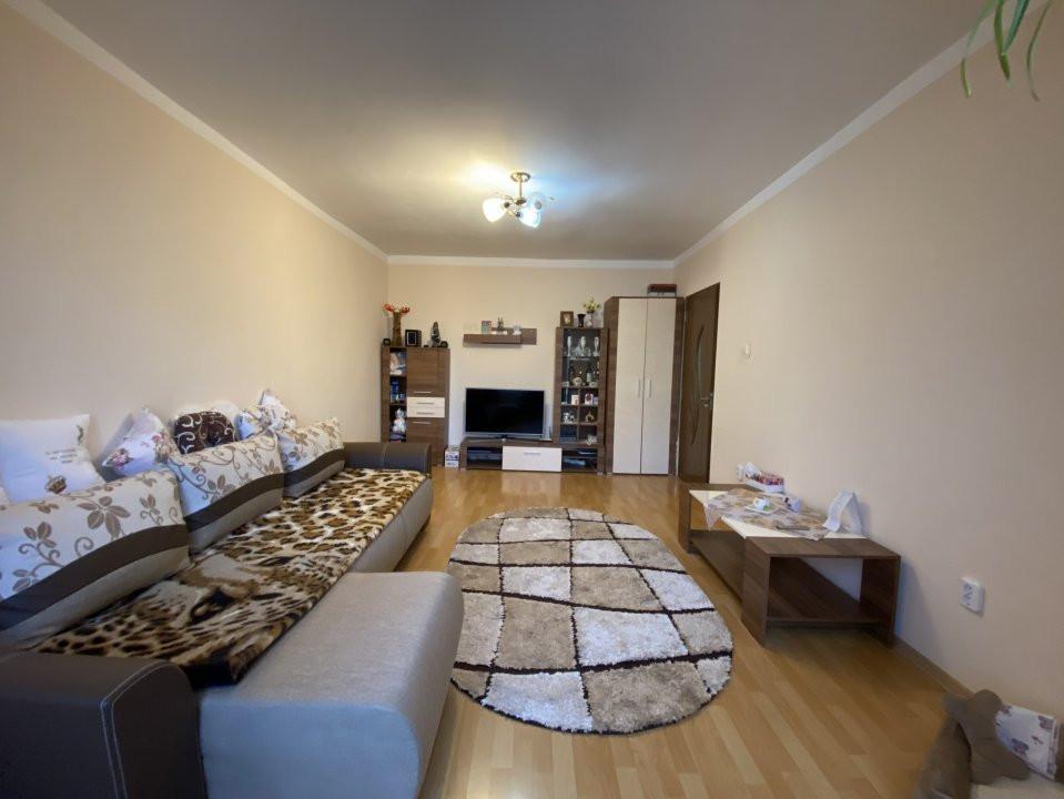 Apartament cu 2 camere spatios, decomandat, de vanzare, zona Aradului  1