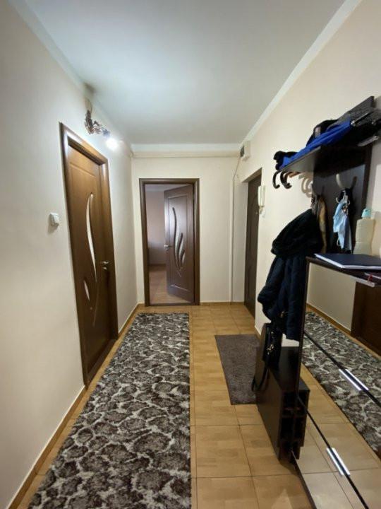 Apartament cu 2 camere spatios, decomandat, de vanzare, zona Aradului  8