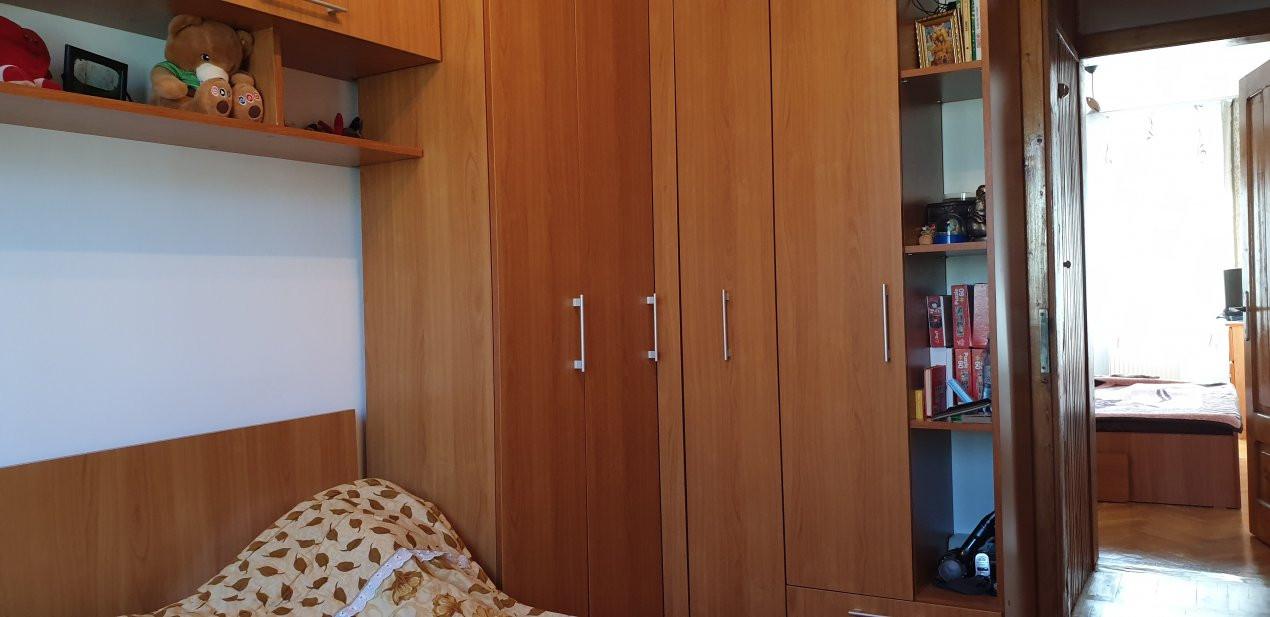 Apartament 3 camere de vanzare comision 0%, Calea Sagului 4