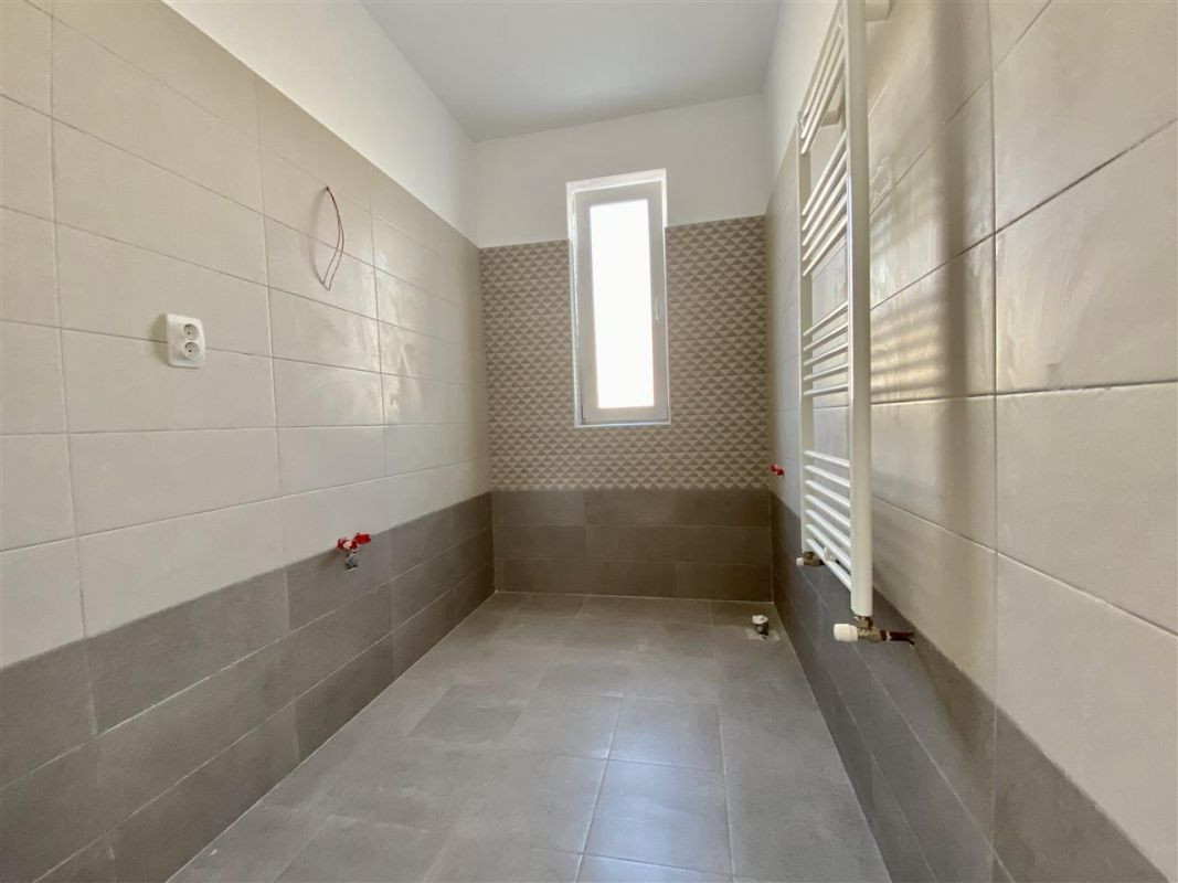 Apartament 2 camere de vanzare etaj intermediar in GIROC - ID V39 14